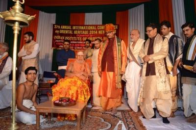 PhD and Mahamahopadhyay Award to Dr Pavitranandaji on 7 March in New Delhi (11).jpg