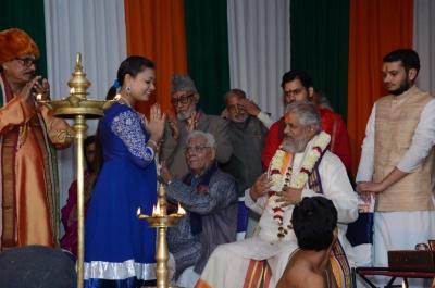 PhD and Mahamahopadhyay Award to Dr Pavitranandaji on 7 March in New Delhi (26).jpg