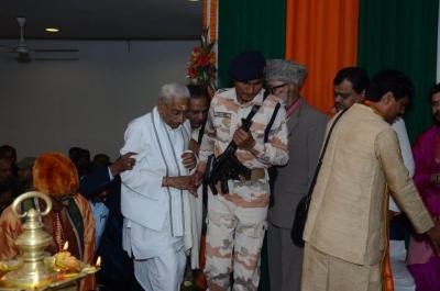 PhD and Mahamahopadhyay Award to Dr Pavitranandaji on 7 March in New Delhi (29).jpg