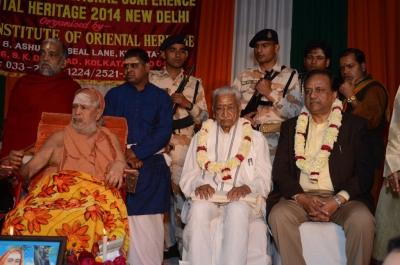 PhD and Mahamahopadhyay Award to Dr Pavitranandaji on 7 March in New Delhi (34).jpg