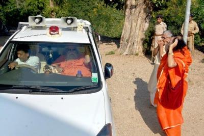 Shankaracharyaji's  visit 10-12-2011 (4).jpg