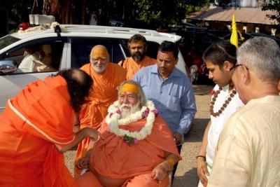 Shankaracharyaji's  visit 10-12-2011 (6).jpg