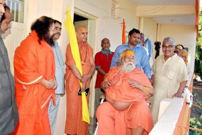 Shankaracharyaji's  visit 10-12-2011 (13).jpg