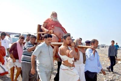 Shankaracharyaji's  visit 10-12-2011 (19).jpg