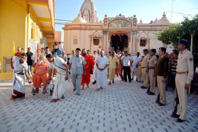 Shankaracharyaji's  visit 10-12-2011 (32).jpg