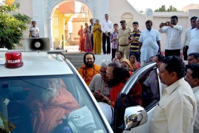 Shankaracharyaji's  visit 10-12-2011 (34).jpg